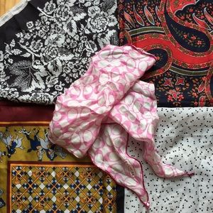 Accessories - Set of five silk scarves